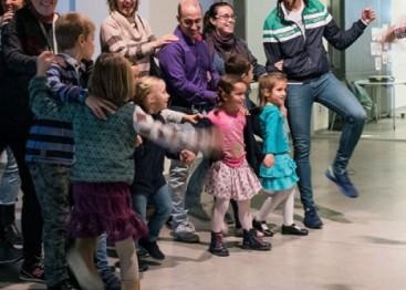 Un taller en familia en la Fundación Telefónica
